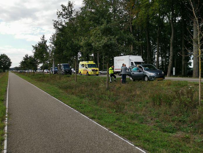 Ongeluk aan de Verlengde Arnhemseweg in Ede.