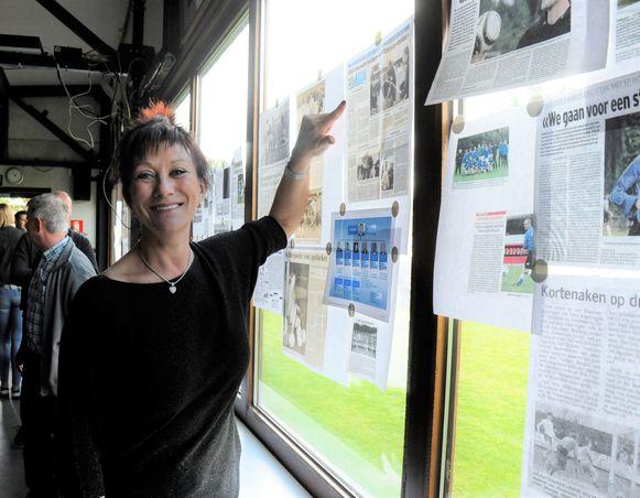 Ex-voorzitster van Sporta Hoeleden  haalde op de expo fijne herinneringen op.