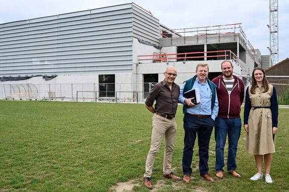 De nieuwe sporthal, die nu ook een naam heeft, zal officieel de deuren openen op 19 april.