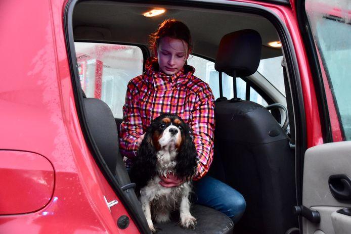 Dankzij hond Lorke, die nadien even mocht bekomen bij een achterkleindochter, merkte het echtpaar de brand op.
