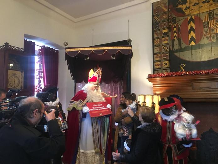 Kasteel van Sinterklaas 350.000ste bezoeker (archieffoto).