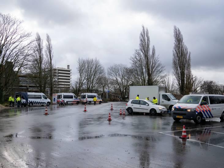 Boetes uitgedeeld en auto's afgesleept tijdens verkeerscontrole in Den Bosch