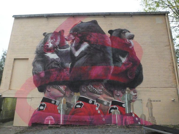 Deinze: de muurschildering van Telmo Miel prijkt op de achterkant van theaterzaal Palace.