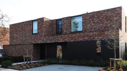 WOONVIDEO: Dit is géén villa, maar een combinatie van twee halfopen huizen