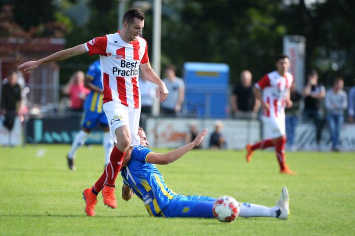 Gianni Tiebosch in actie voor TOP Oss.