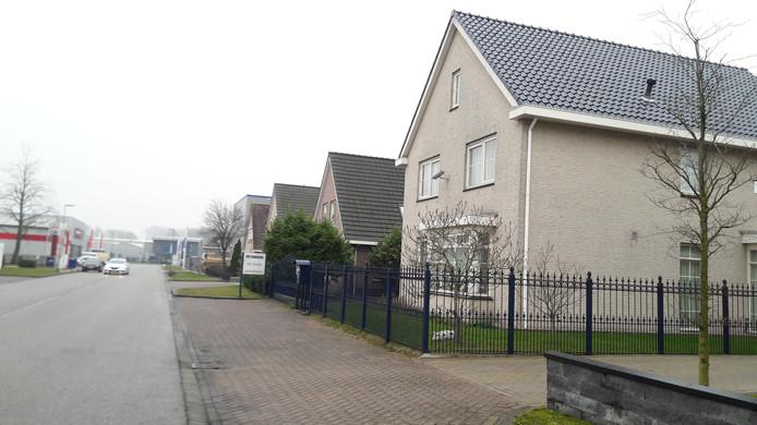 De Leeghwaterstraat in Werkendam, waar een drugswebshop gerund werd.