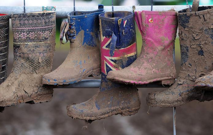 Blubberfestival Glastonbury maakte de regenlaars weer hip.