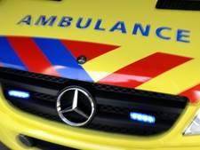 Auto slipt op A59 en belandt tegen vangrail vanwege een spin