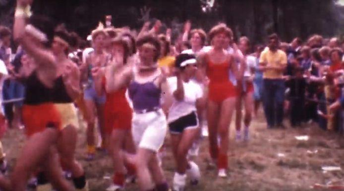 Goed, het is geen HD-kwaliteit, maar de film met de dansmarathon in 1983 in Rotterdam is prima te volgen. Even terug naar de tijd van beenwarmers en permanentjes.
