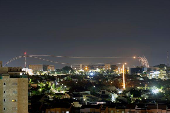Het Israëlische rakettenschild in actie in Ashkelon.