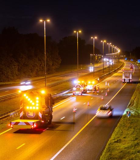Automobilist let niet op bij ongeval op A50 bij Epe en weet aanrijding maar net te voorkomen