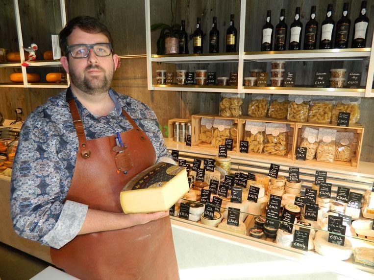 Maarten Lanckzweirt in zijn kaaswinkel Chee(r)se.