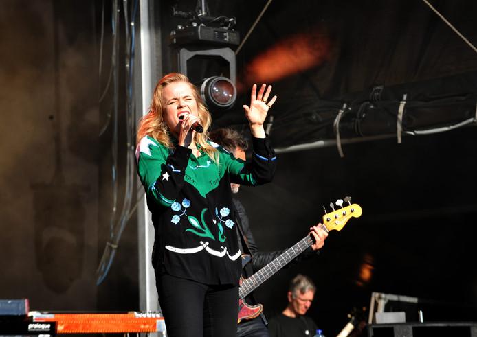 Ilse DeLange tijdens Wantijpop 2019.
