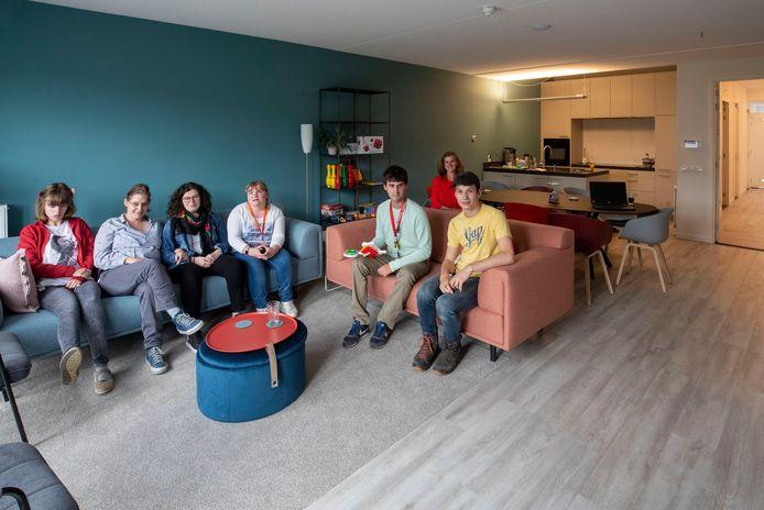 """Ouders van kinderen met een verstandelijke beperking hebben een gemeenschappelijke woning """"Stoer"""" opgezet in de Enkawijk in Ede."""
