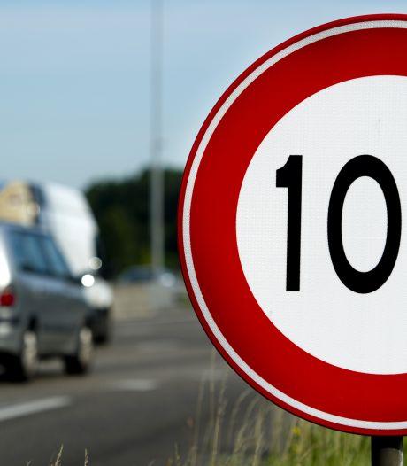 Politie controleert minder op de weg vanwege corona, alcoholcontroles opgeschort