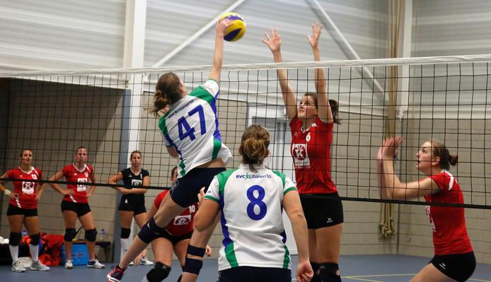 Het eerste vrouwenteam van Stevo kwam dit weekeinde niet tot een zege. Libanon was in Zuiddorpe veel te sterk. Het werd 0-4.