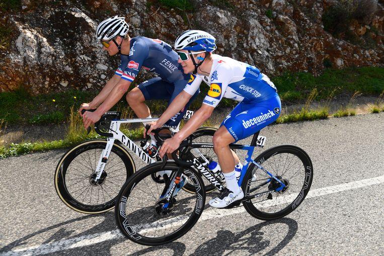 De twee vedetten van de 46ste Ronde van de Algarve broederlijk naast elkaar: Mathieu van der Poel en Remco Evenepoel.