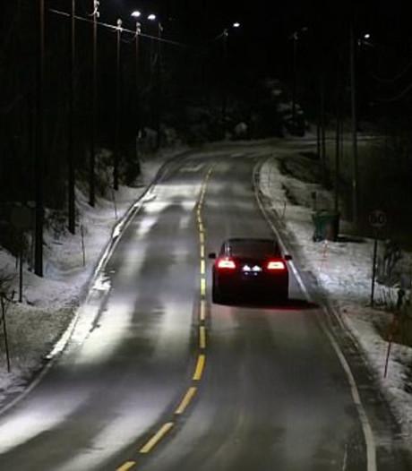 Dynamische straatverlichting met radar regelt lichtintensiteit 's nachts zelf