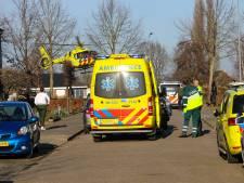 Persoon valt uit raam: traumahelikopter landt midden in woonwijk Teuge