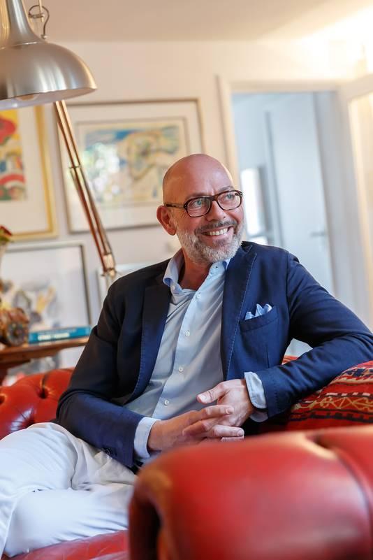 Mode-ontwerper Corné van der Made voelt zich thuis in Zevenbergen.