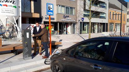 Oplaadpalen voor auto's en fietsen op vernieuwd Marktplein
