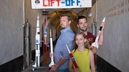 Fort Liezele herdenkt maanlanding met lancering van zelfgemaakte raketten