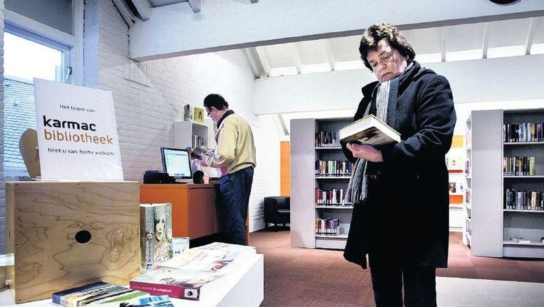 Het bedrijf Karmac runt sinds vorige maand de bibliotheek van Marken. Beeld Jean-Pierre Jans