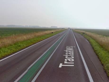 Tractaatweg dicht door honderden liters   verloren dieselolie