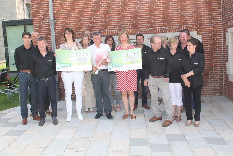 De Morelgemvrienden schonken 63.000 euro aan de dienst oncologie van UZGent.