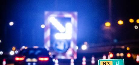 Flinke vertraging op eerste dag van afsluiting Wantijbrug: 40 minuten op A16 en A27