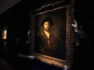 Il tente de voler deux Rembrandt dans un musée à Londres et parvient à s'enfuir