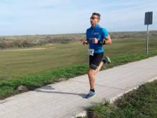 Erwin Adan wint Walchers onderonsje in halve marathon van Axel