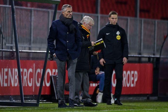 Het onheil nadert in Almere, ziet ook trainer Kees van Wonderen. Go Ahead Eagles kon zich niet onderscheiden tegen de nieuwe koploper van de Keuken Kampioen Divisie.