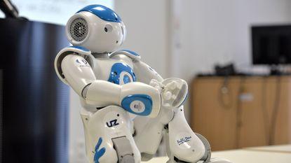 Gents hotel zet als eerste ter wereld robot achter balie