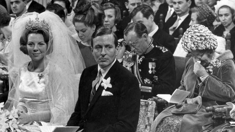 Huwelijksvoltrekking van prinses Beatrix en Prins Claus op 10 maart l966 in Amsterdam. Beeld