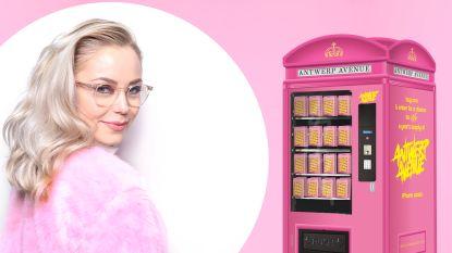 Antwerpse girlboss kleurt Stadsfeestzaal roze met unieke pop-up automaat