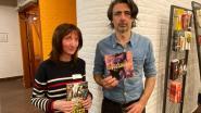 Dichteres Delphine Lecompte en zanger-muzikant Mauro Pawlowski spelen Braembibliotheek plat