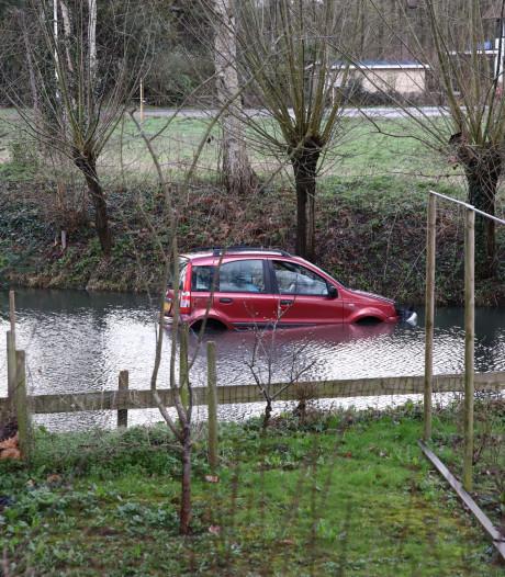 Auto raakt te water in Culemborg, bestuurder spoorloos