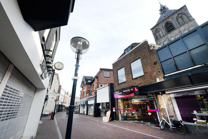 De Oldenzaalse binnenstad heeft betere tijden gekend. In vijf jaar tijd is het aantal winkels gedaald en is de leegstand in vergelijking met andere gemeenten in Oost-Nederland hoog.
