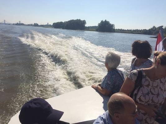 De boot tussen Zaltbommel en Slot Loevestein gaat 40 kilometer per uur.