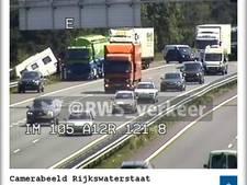 Losgeschoten caravan op A12 zorgt voor file bij Arnhem; weg weer vrij