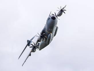 Leger oefent met nieuwe A400M vliegtuigen in Schaffen