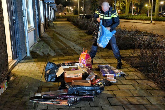 Honderden kilo's zwaar illegaal vuurwerk gevonden in garagebox in Tilburg.