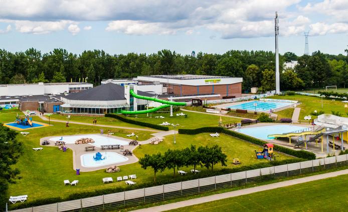 De gemeente Ridderkerk neemt het beheer van zwembad De Fakkel en de andere sportaccommodaties over.