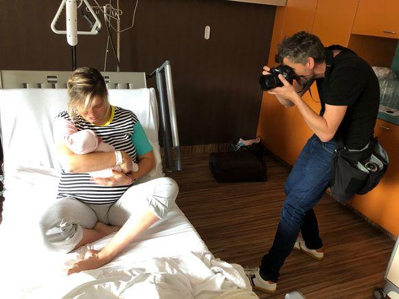Marc Vervoort fotografeert Tinne Kimpe en dochtertje Mea voor Moederdag.