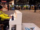 Toezichthouder betovert met piano