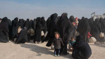 Haar familie deed alles om haar hier te houden. Nu ligt Chadia (30) weg te kwijnen op matras in IS-kamp