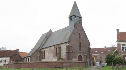 Land- en tuinbouwmarkt voor korte keten in en rond kerk Paulatem