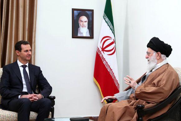 Assad met de Iraanse grootayatollah Ali Khamenei.