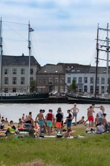 Drukke stranden, maar geen problemen in Kampen tijdens Pinksterweekend